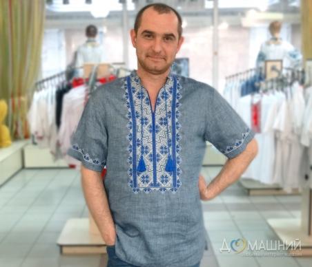 Вышиванка мужская короткий рукав темная с синей вышивкой 2004
