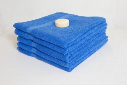 Махровое полотенце Узбекистан с бордюром 380 г/м2 размер 70х130 синее