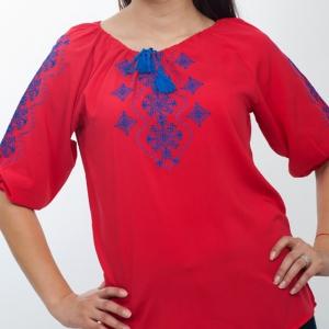 Вышитая блуза женская штапель с синей вышивкой 1010