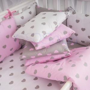 Бортик в кроватку с простыней ТМ Маленькая Соня Baby Design Cеро-розовые сердца