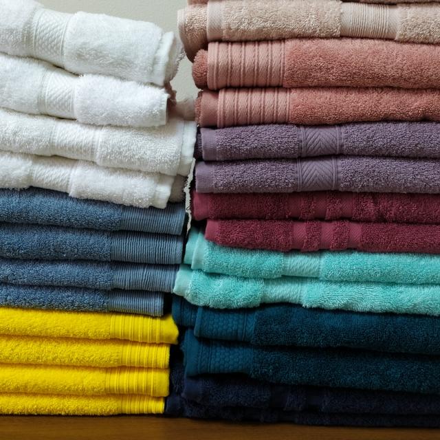 РАСПРОДАЖА к 8 марта турецких махровых полотенец для рук и лица